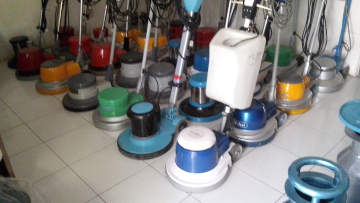 jual mesin poles lantai/floor polisher Rotano pesifikasi :   Power : 1100 W  Diameter : 17″   Speed : 175 Rpm  Weight : 50 Kg   Cable : 12 M   Including : Main body,hard brush,pad holder,water tank  Country : Cina  Garansi 3 Tahun  Harga Second Rp 3.500,000   Harga Baru      Rp 5.400,000  Agus 0877 8393 1841  jl Buluh Perindu raya No 141 Pondok Bambu Jakarta Timur