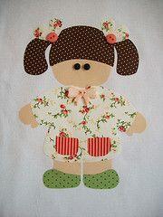 Camisetas personalizadas (Ka Comelli) Tags: flores gato criana boneca patch menina camiseta gatinho casinha camisetas blusa patchcolagem patchaplique