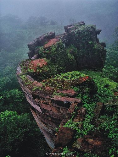 One of Best place to visit in Baroda : Lost Kingdom :: #Pavagath, #Vadodara