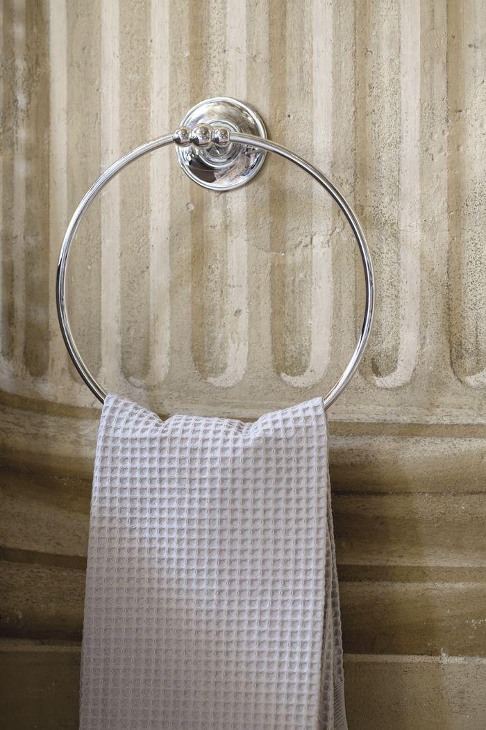 Kent towel ring chrome.