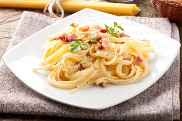 Паста карбонара с копченым беконом, ссылка на рецепт - https://recase.org/pasta-karbonara-s-kopchenym-bekonom/  #Паста #блюдо #кухня #пища #рецепты #кулинария #еда #блюда #food #cook