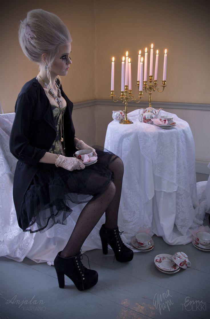 Editorial photoshoot at Anjala haunted mansion / SS15 / STYLING Elina Paju, Enni Tolkki / PHOTOGRAPHY Enni Tolkki / MUAH Elina Paju, Enni Tolkki