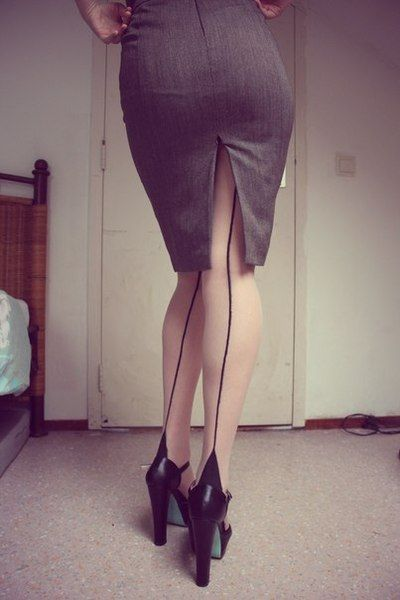 Tights with the seam up the back are pretty much the sexiest thing ever.