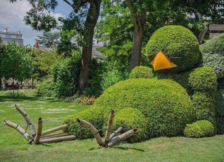 By Claude Ponti- Nantes, France. A lazy bird