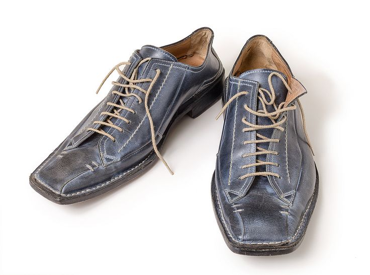 https://flic.kr/p/Dmj3UQ   blue-shoes-top   Blue glossy man's shoes with shoelaces isolated on white background