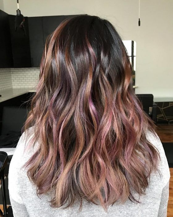 corte de cabello largo chocolate malva