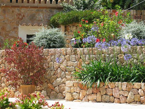 new mediterranean garden house setting designs