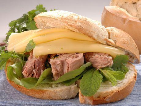 #rico #sandwich #queso #atún