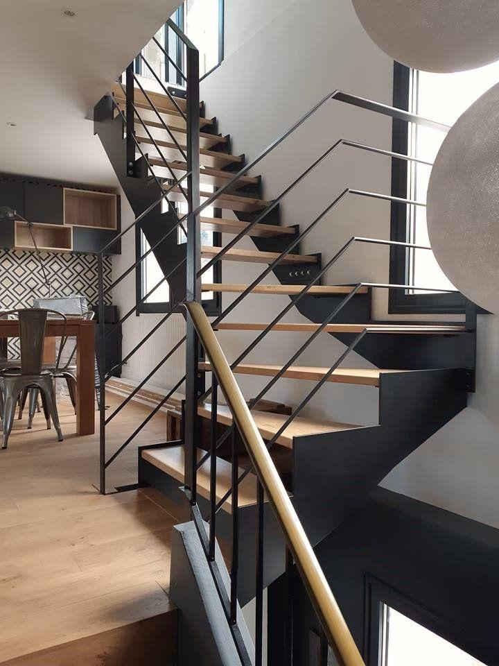 Menthon-Saint-Bernard - Réalisation et pose d\u0027un escalier intérieur - pose d une porte d entree