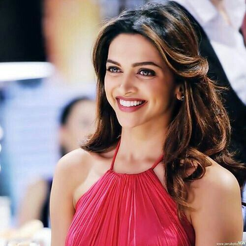 Its So Hot: Deepika Padukone Smile
