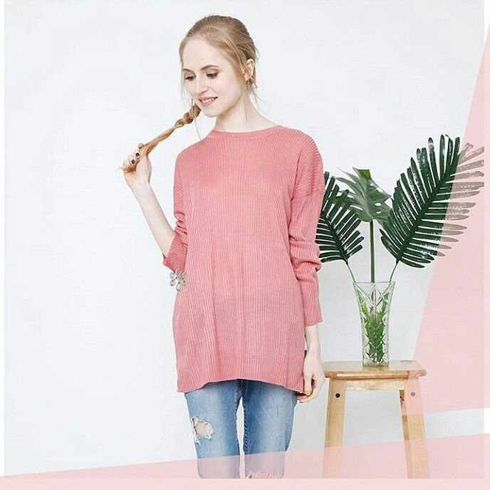 ♦ Kode barang : Premium Patch Boxy Sweater Pink ♦ Price : 90k ♦ Material : 100% Cotton knitt import + 100% patch embroidery handmade . How To Order ? ↪Line : @oqz9908n (pakai @) .