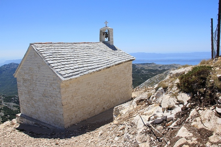 The chapel on the hill of Sv Jure in Nature Park Biokovo in Croatia #croatia #chorwacja #biokovo #svjure
