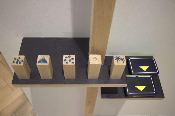 Wystawa O!Kolekcja. Zagramy? Stemple przepustką do następnych zdań.  #muzeumdladzieci #childrensmuseum #kidsmuseum #kidsinmuseum #ethnomuseuminwarsaw