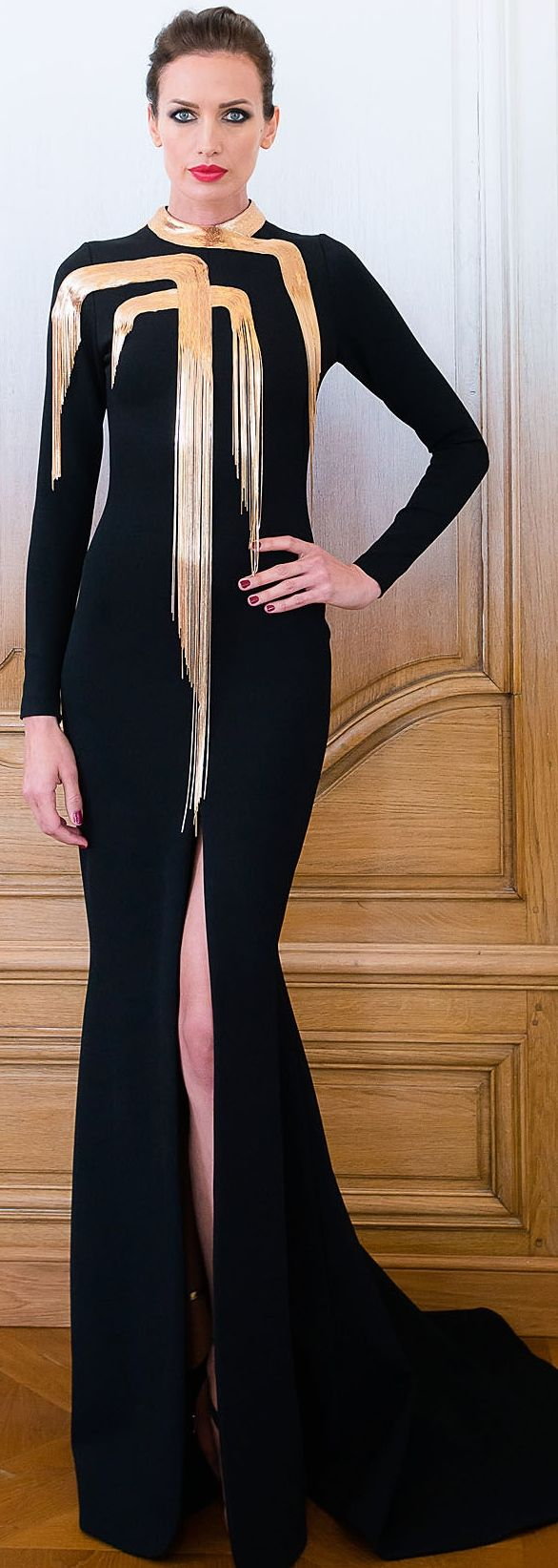 Stephane Rolland Couture FW 2014 - 2015- ~LadyLuxury ~ A tall beautiful woman that makes me very jealous.