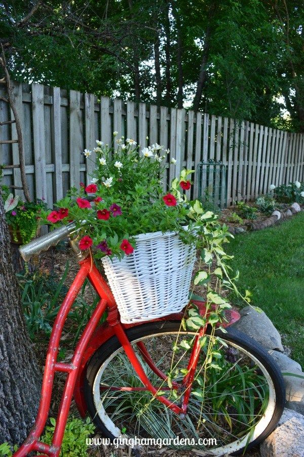 Upcycled Vintage Garden Decor Garden Inspiration Pinterest