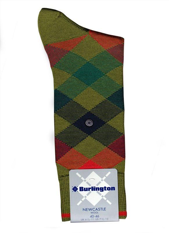 DESCUBRE LA NUEVA COLECCIÓN de calcetines confeccionados con pura lana virgen. Pies calientes y confortables. Variedad de modelos en varela Íntimo