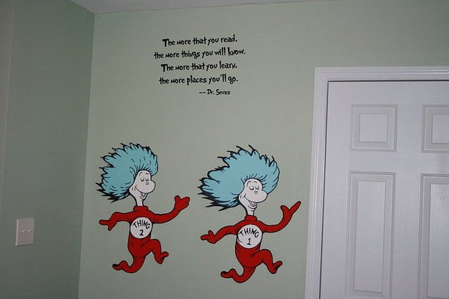 Dr suess baby rooms dr seuss dr suess theme wallpaper for Dr seuss wall mural decals