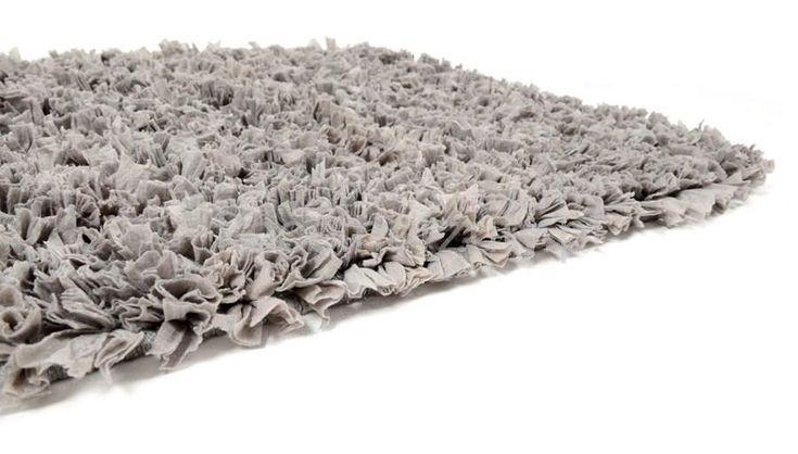 Włochate szare klasyczne dywaniki do łazienki 50x70