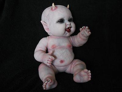 Ooak-horror-goth-art-doll-Preemie-Demon-baby-Reborn-Berenguer