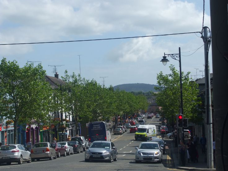 Gorey town is buzzing this afternoon in the sunshine