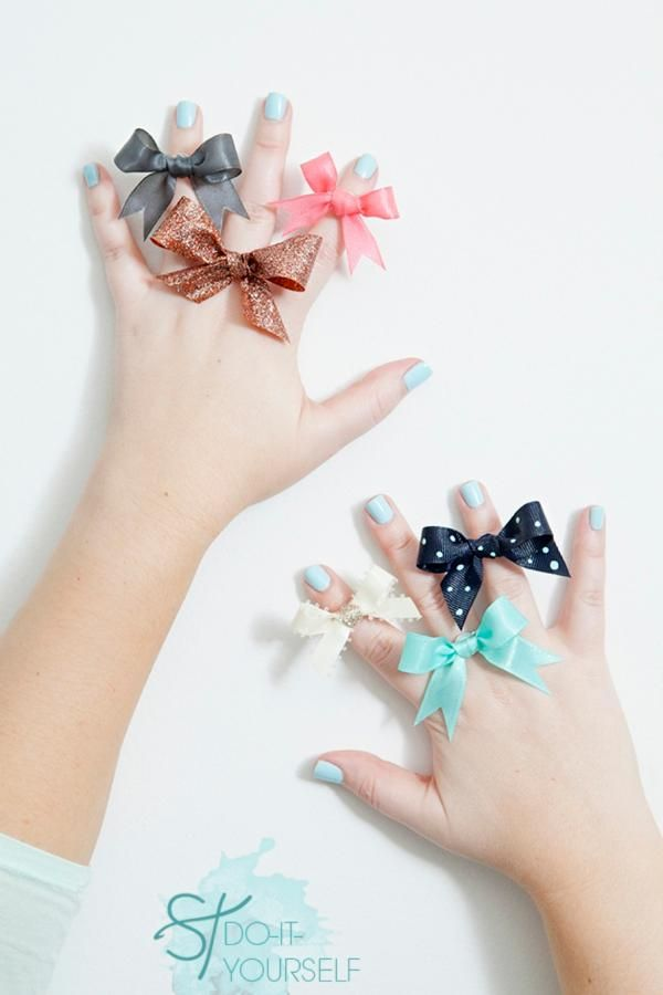 DIY stiff ribbon bow ring bridesmaid gift