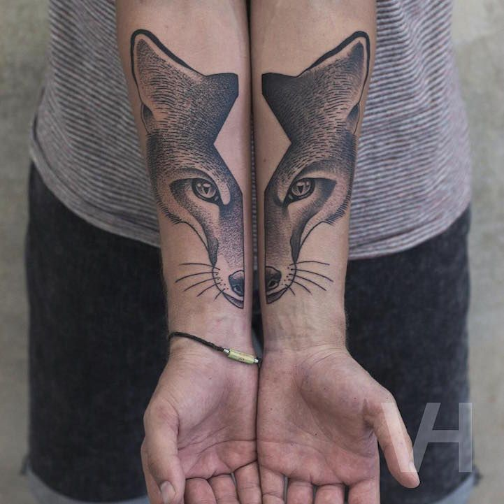 Split-Faced Animal Tattoos Creatively Inked on Separate Limbs - My Modern Met