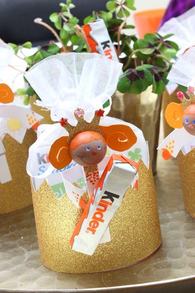 Kreatives Gastgeschenk: DIY-Prinzessinnen als Kronen mit Ferrero kinder Schokolade zum Kindergeburtstag