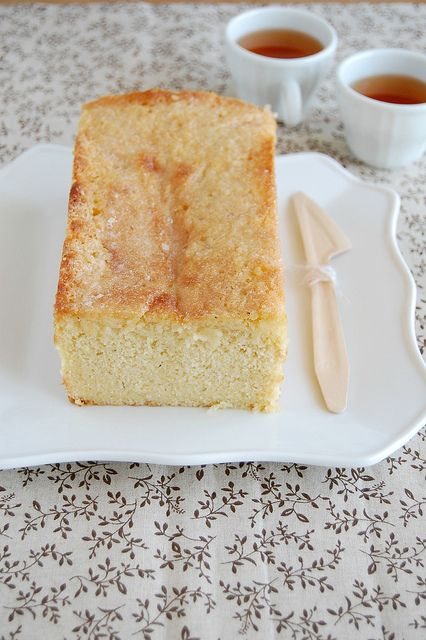 Lemon and cardamom cake. Now if I could only figure out what demerara sugar is. Thank goodness for Google!: Cardamon Cakes, Yummy Things, Food, 50 50, Cardamom Cakes, Eating Cakes, Cakes Cookies Breads, Baking Cakes Pi, Lemon