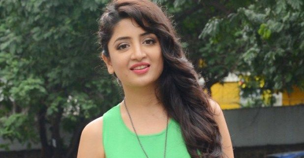 Film actress Poonam Kaur reveals her favourite cricketer  The trendy generation of cricket has observed various superstars. From MS Dhoni to Virat Kohli from AB de Villiers to Steve Smith  fanatics are loopy about their stars. Likes of Dhoni Kohli and Rohit Sharma has hundreds of thousands of fanatics in India.  Alternatively Telugu movie diva Poonam Kaur who used to be found in Vishakhapatnam to observe the overall ODI between India and Sri Lanka walked the entire approach to the…