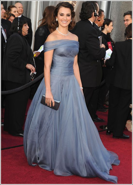 penelope cruz at the 2012 oscars in giorgio armani - too old and matronly