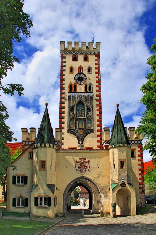 The Bayertor in Landsberg am Lech, Bavaria, built in 1425 - Germany Mehr