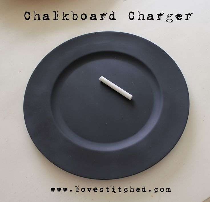 Chalkboard Chargers. How cute and such a fun idea. So many uses!Chalkboards Painting, Diy Chalkboards, Chalkboards Plates, Chalkboards Chargers