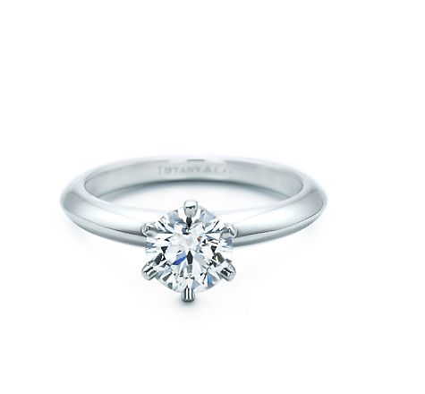Tiffany Engagement ring-Tiffany Setting This is exactly what I want :)