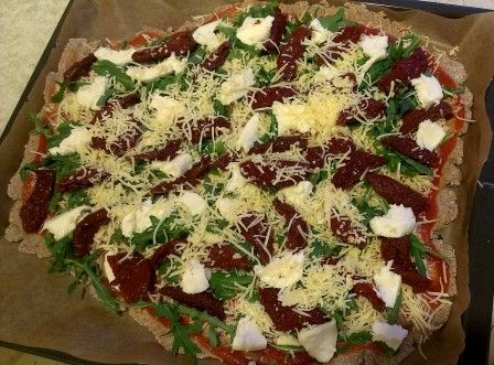 FOOD - Fast gluten-free pizza http://lifestyle-fashion-food.blogspot.com/2015/07/szybka-pizza-bezglutenowa.html