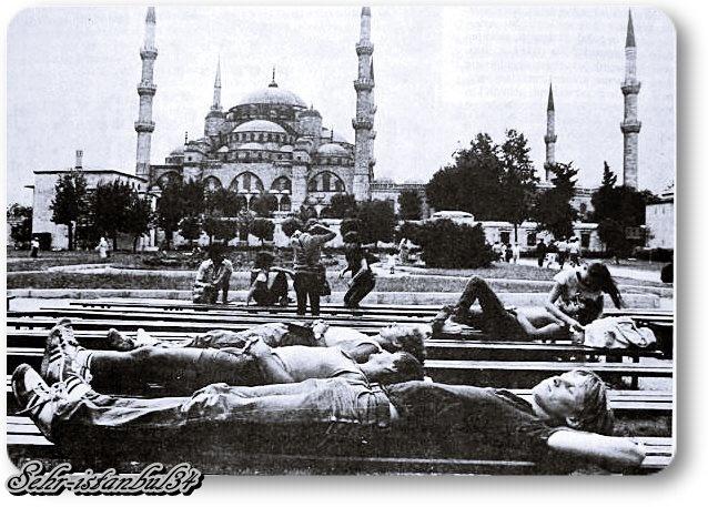 Zamanın Çiçek çocukları (Hippiler)   Sultanahmet - 1970 ler
