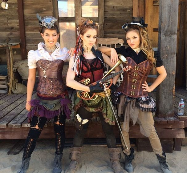 "steampunkopath: ""Steampunk Girls http://steampunkopath.tumblr.com/ "" Lindsey Sterling! Wild West Steampunk music face-off"