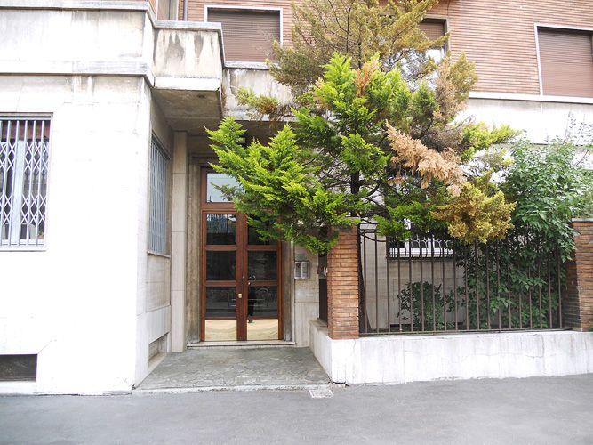 SEMPIONE, VIA MACHIAVELLI - Proponiamo un ampio bilocale sito in una traversa della prestigiosa Via Mario Pagano, non distante dalla MM Cadorna e a due passi dal parco. http://www.rossomattone.eu/Milano_Pagano_Sempione_Milano_Affitto_Short_Rent_Via_Machiavelli-h129-m19-s22-p16.html?&conta_lista=0&metodo=DESC&ordina=