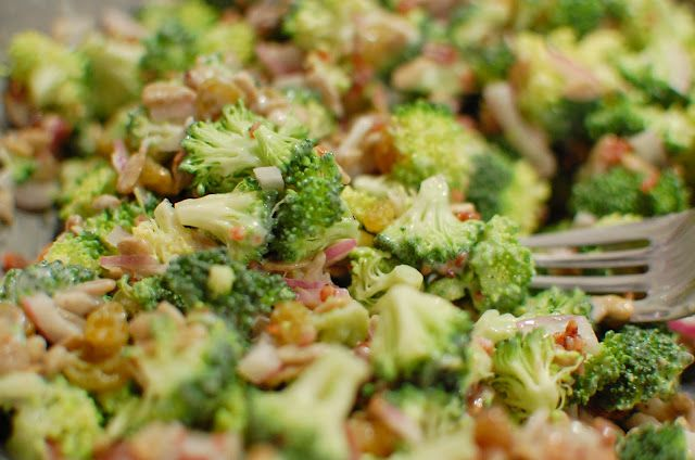 Picnic food/ dish to pass - broccoli bacon salad with mayo-vinegar dressing