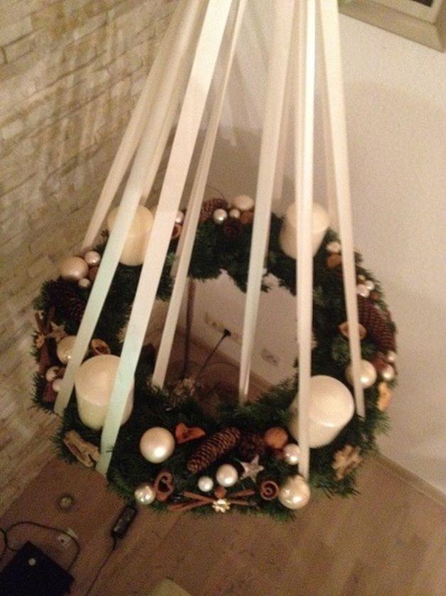 Adventskranz hängend mit 4 Kerzen