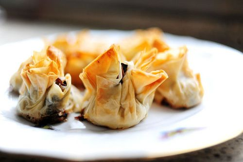 Mushroom phyllo bundles recipe the pioneer woman cooks for Phyllo dough recipes appetizers indian