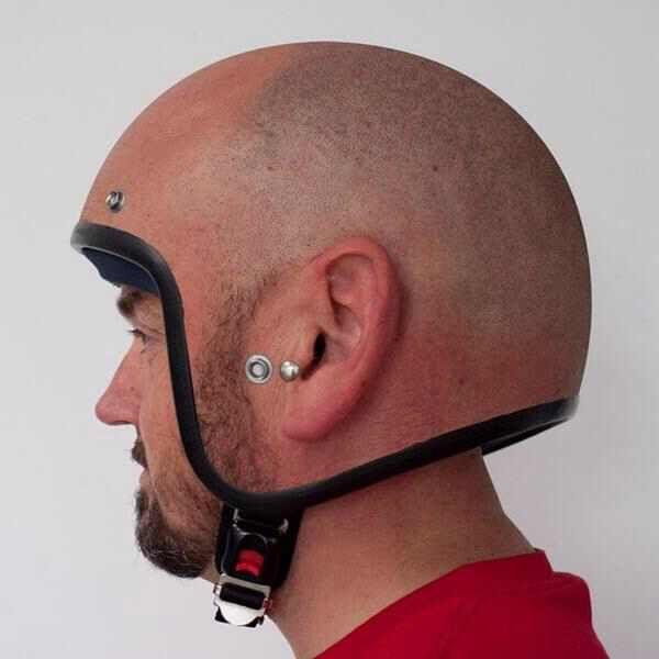 """Bester Helm aller Zeiten. Liebe Motorradfahrer, der Begriff """"cooler Helm"""" wurde neu definiert. Und deiner gehört nicht mehr dazu ..."""