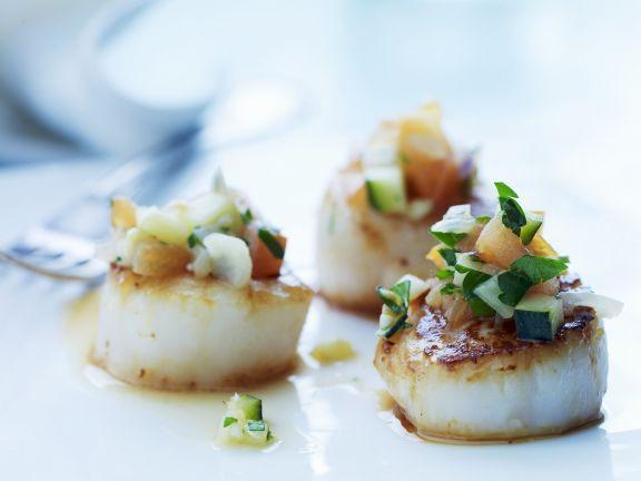 Gebratene Jakobsmuscheln mit spanischer Soße (Salsa) ist ein Rezept mit frischen Zutaten aus der Kategorie Muscheln. Probieren Sie dieses und weitere Rezepte von EAT SMARTER!