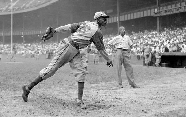 The Great Satchel Paige Makes His First Major League Start 1948 Paige Photos League Major League