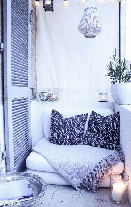 25 beste idee n over klein balkon op pinterest klein balkon decor gezellig appartement decor. Black Bedroom Furniture Sets. Home Design Ideas