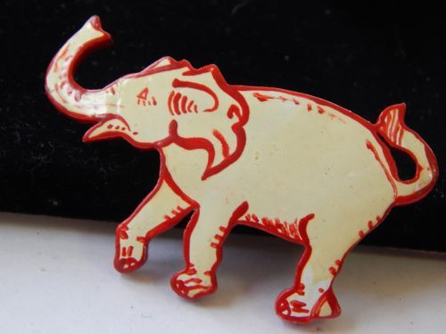 Vintage-1960s-Tropical-Wood-Souvenir-Hand-Painted-White-Red-Elephant-Brooch-Pin