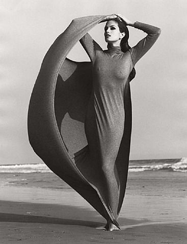Herb Ritts photographs Cindy Crawford   Google Image Result for http://25.media.tumblr.com/tumblr_le3lwso5Nu1qbeumgo1_400.jpg