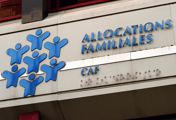 Certains profitent du manque de personnel de la Caf et de l'allongement de la file d'attente pour gagner de l'argent. Une drôle de pratique a fait son apparition à Marseille. Les mouvement de grève des Caisse d'Allocations Familiales pour dénoncer les conditions de travail se multipliant, la Caf