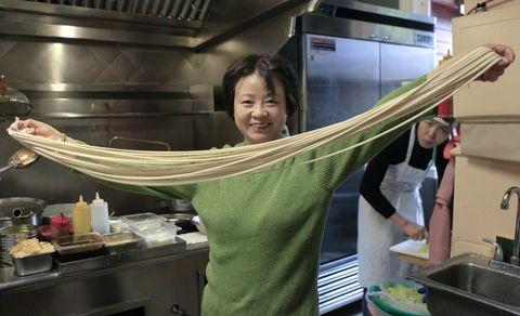 Hand-pulled noodles, including jjajangmyeon | Frank's Noodle House | OregonLive.com #jjajangmyeon