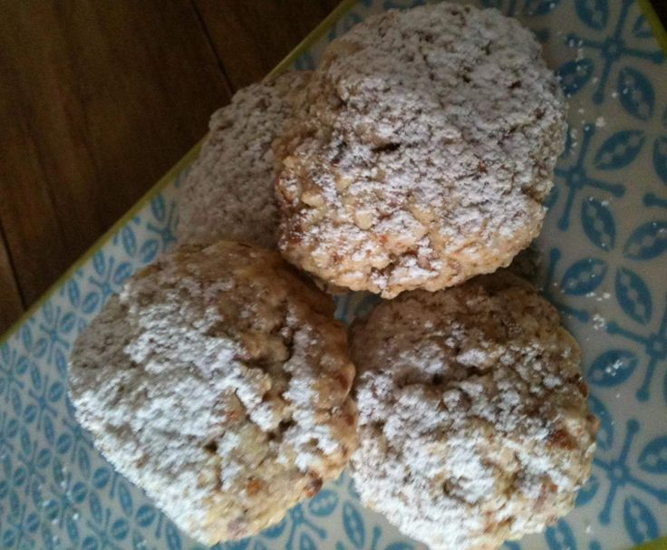 Recipe Easy Almond Biscuits by evelina68 - Recipe of category Baking - sweet