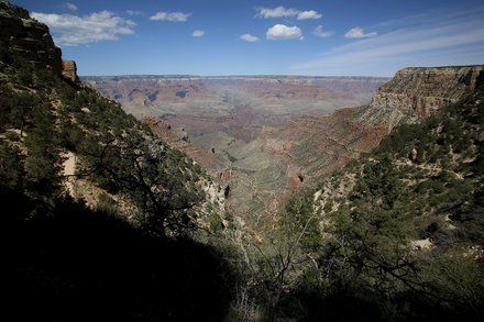 Fiery Helicopter Crash in Grand Canyon Kills at Least 3 and Injures 4 others